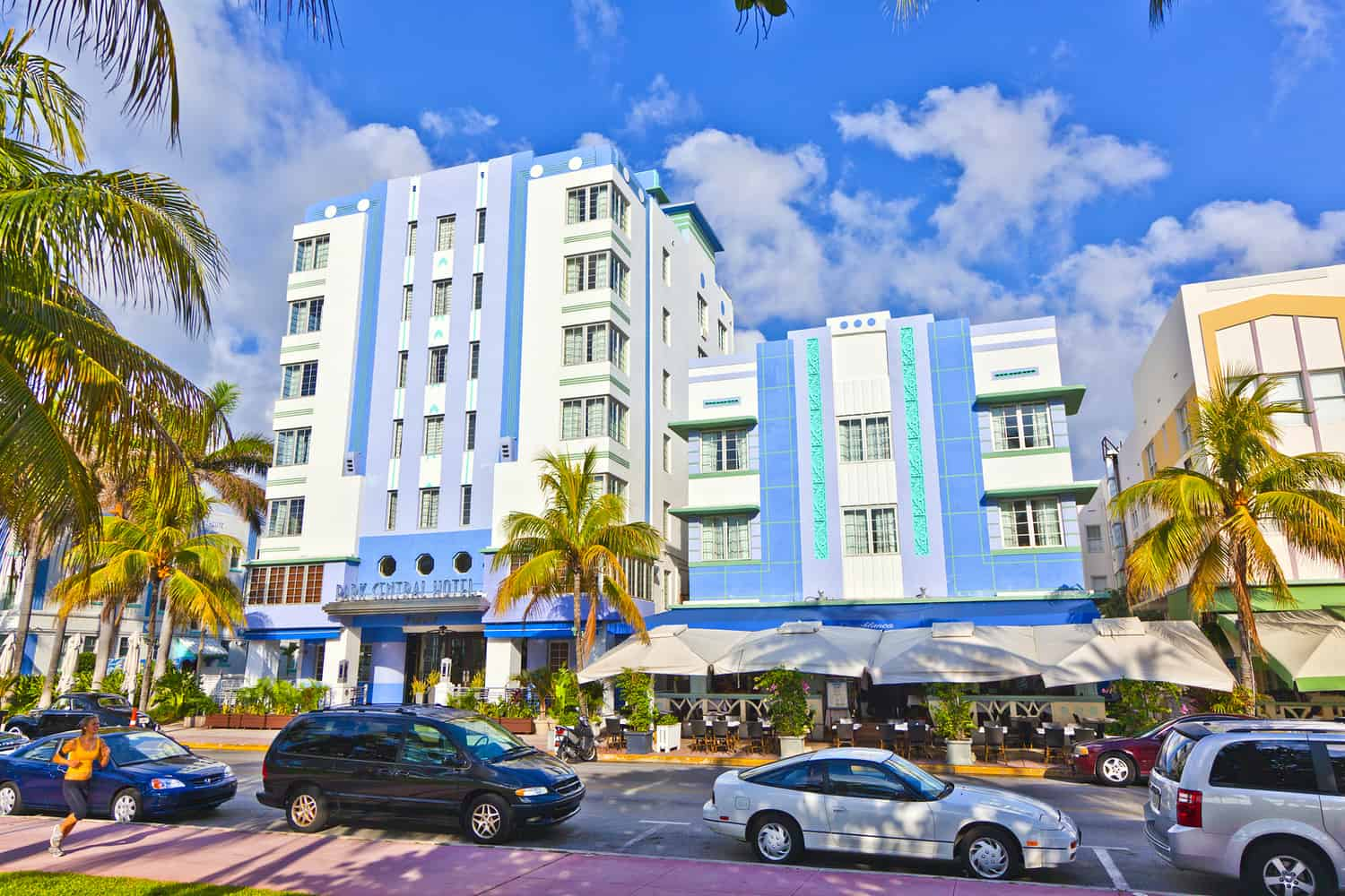Miami hotels and information for visitors miami on the cheap for Big houses in miami