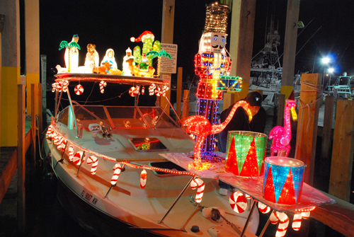 Miami Outboard Club Holiday Boat Parade Miami On The Cheap